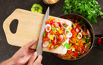 YOUR CHOPPING BOARD MIGHT SEEM CLEAN…